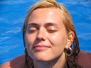 Бережный уход за жирной кожей лица